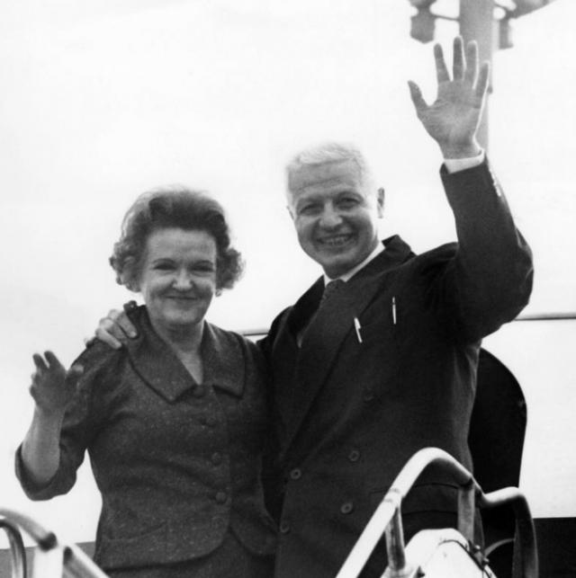 Моррис Коэн всю оставшуюся жизнь посвятил подготовке будущих специалистов разведывательного ведомства СССР и скончался в 1995 году. Его супруга ушла из жизни тремя годами ранее.
