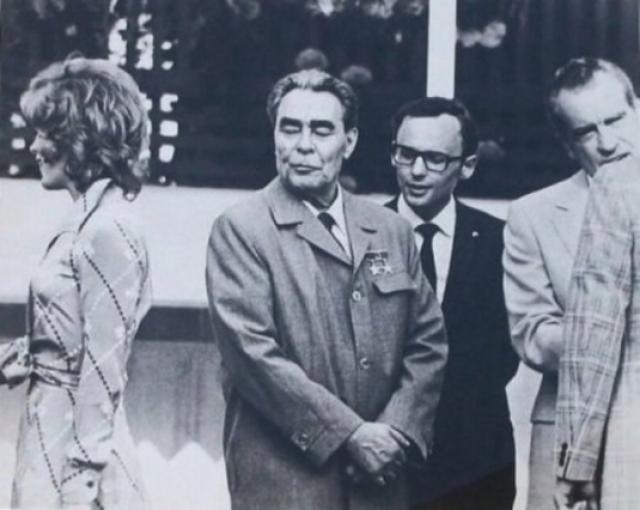 Актриса Джил Сэнт Джон, Брежнев и Никсон.