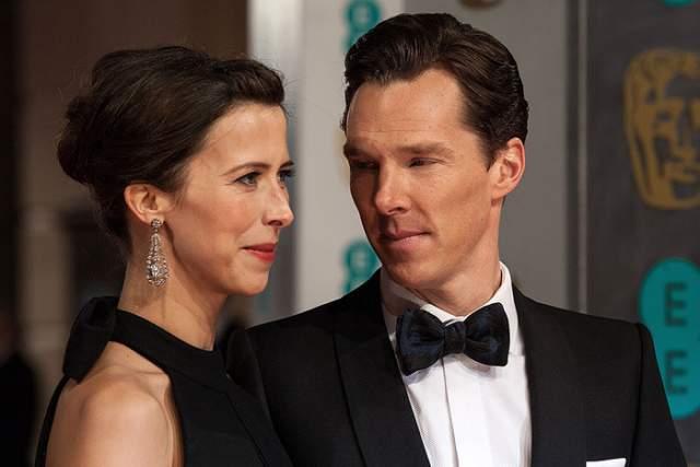Бенедикт Камбербэтч и Софи Хантер. Они познакомились в 2009 году, а 14 февраля 2015 года расписались.