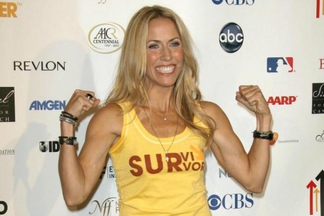 Шерил Кроу. В 2003 году у певицы был диагностирован рак молочной железы, который она успешно преодолела.