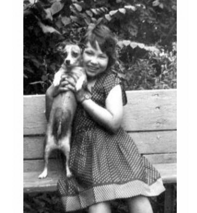 За свою короткую жизнь девочка создала 2279 работ - 46 альбомов с рисунками, шаржами и стихами, чеканки, вышивки, поделки из пластилина, мягкие игрушки, изделия из бусинок и разноцветных камешков, выжигание по дереву.