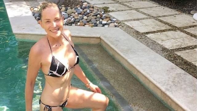 Шэрон Стоун. 59-летняя актриса часто появляется в купальнике в объективах папарацци.