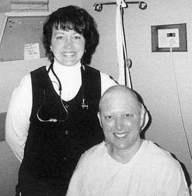 После консультации с докторами из США по спутниковой связи, Джерри прошла курс химиотерапии. Для этого необходимые лекарства ей сбросили с воздуха.