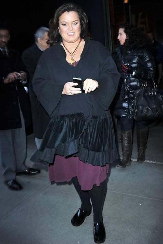 """Поясняя причины своего столь позднего каминг-аута в возрасте 40 лет, Рози сообщила: """"Я не хотела, чтобы это прилагательное прилепилось к моему мехи. Ну, вы понимаете, """"лесбийская Рози О'Доннелл""""..."""