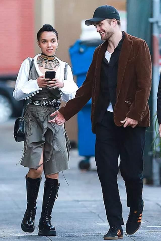 FKA Twigs, 30 лет. Интерес к себе британская певица Талия Дебретт Барнетт вызвала, когда начала встречаться с Робертом Паттинсоном в 2014 году.