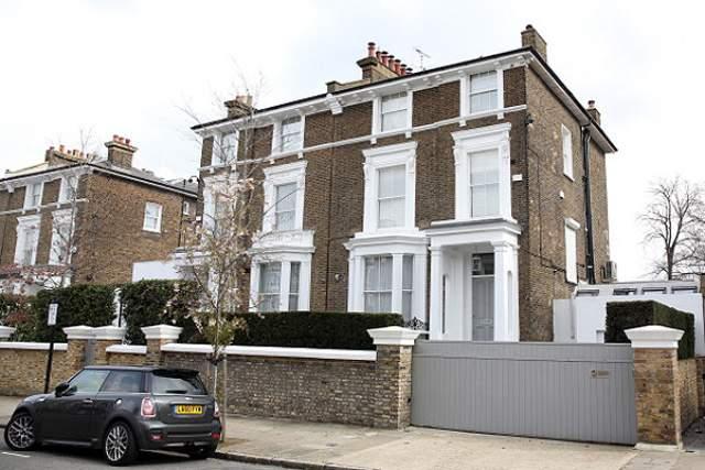 В итоге Уинслет решила продать дом: его приобрела Гвинет Пэлтроу, заявив, что не верит в подобные вещи.