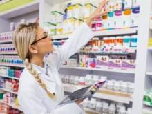 СМИ: в России закроется половина аптек