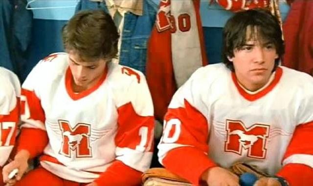 """Первым появлением Ривза на большом экране стала роль квебекского вратаря в фильме """"Молодая кровь"""" с Робом Лоу в главной роли."""