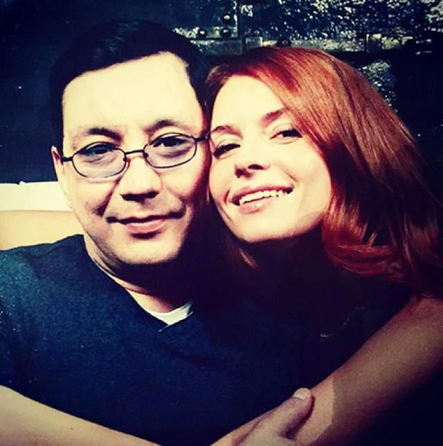 """Пара встретилась в 1996 году: """"Я познакомилась с Егором, когда мне было 17 лет. Он для меня гарант существования мира - как солнце, вода или воздух. Он не может никуда деться из моей жизни. Я, что называется, на крючке!"""" - рассказывала Любовь."""