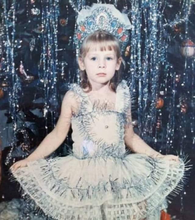 Мисс Россия-2014 Юлия Алипова в образе Снежинки.