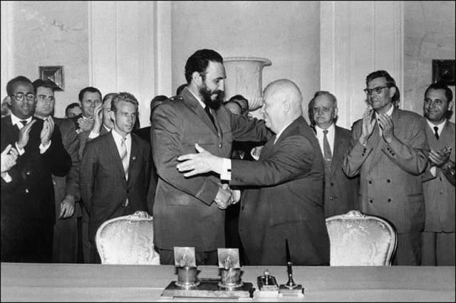 В ходе визита состоялось и несколько встреч Фиделя Кастро с Никитой Хрущевым, которые происходили в резиденциях и на дачах генсека.
