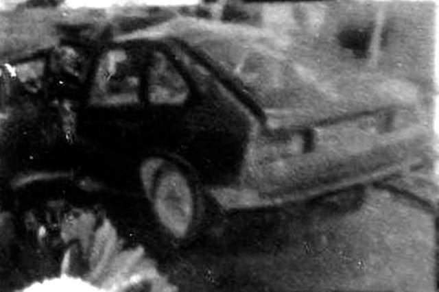 Также существовала версия, что Цой мог попасть в аварию, когда решил переставить кассету в своем магнитофоне, отвлекшись от движения у опасного поворота. Однако гитарист Юрий Каспарян еще в 2002 году опроверг информацию о наличии подобной кассеты с демо-записями в автомобиле музыканта.