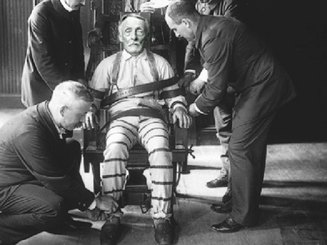 На суде Фиш рассказал, что имел сексуальные отношения с 400 детьми , хотя полиции было известно о ста случаях. Неизвестно и точное количество жертв каннибала, их было от 7 до 15. 16 января 1936 года маньяк был казнен на электрическом стуле.