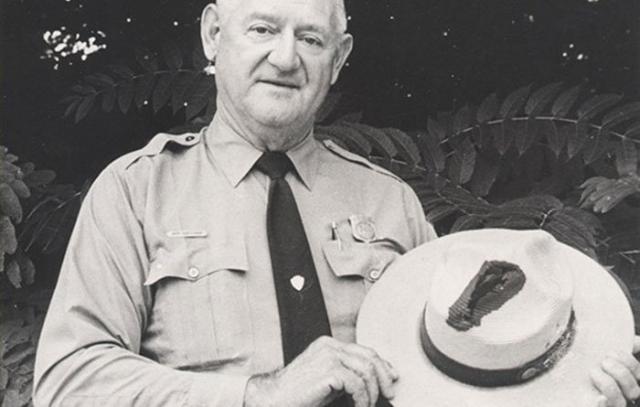 В Книге рекордов Гиннесса рассказывается об американце, егере Национального парка Рое Салливане. Он семь раз подвергался нападению молнии. Было это при разных обстоятельствах в 1942, 1969, 1970, 1972 и в 1973 годах.