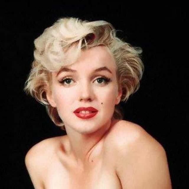 Мерилин Монро также стала знаменитой, когда перекрасилась из брюнетки в блондинку…