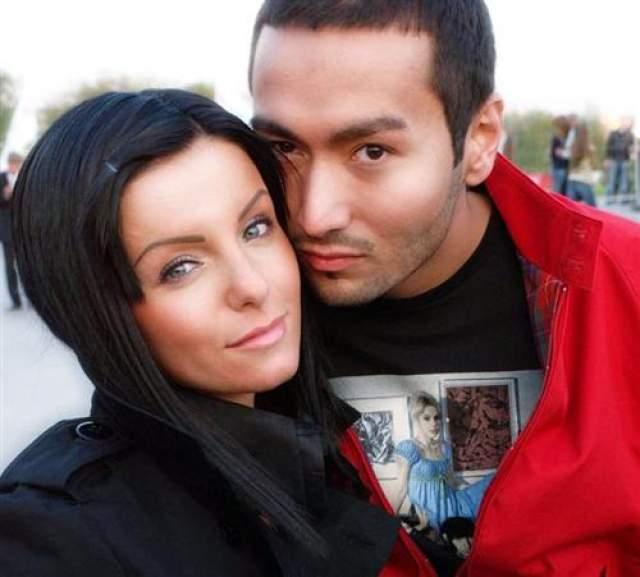 Уже через год появились сообщения, что Волкова тайно вышла замуж за Парвиза в ОАЭ и приняла ислам, при этом представители бизнесмена это опровергали, а Юлия подтверждала.