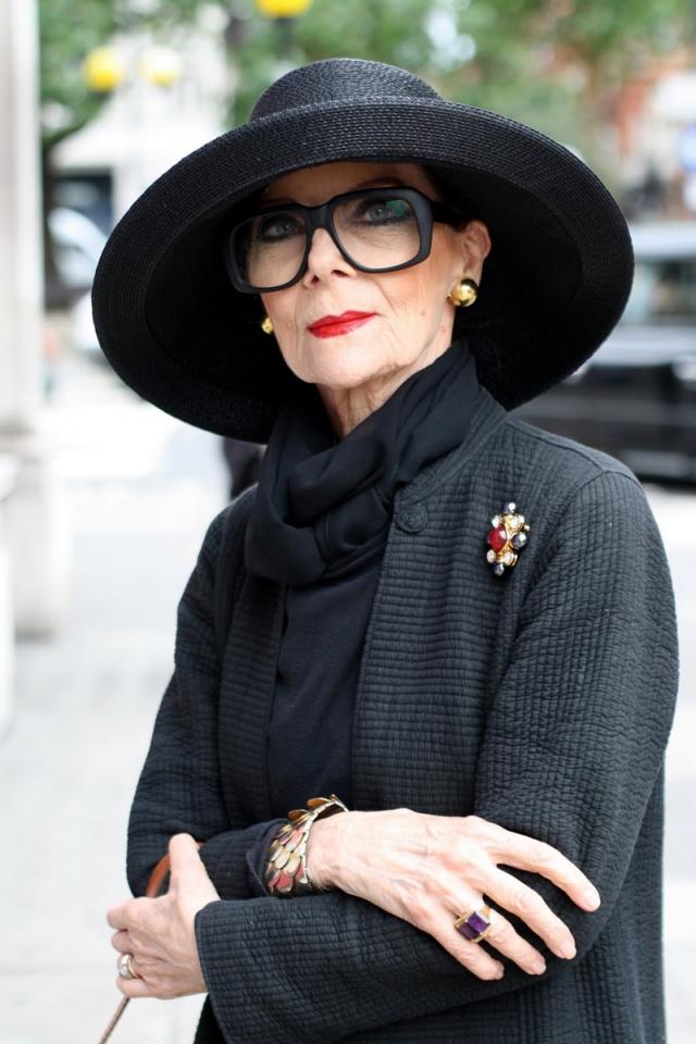 Gitte Lee - творческий псевдоним датской модели, настоящее имя которой - Бриджит Кренке. Она родилась в 1935-ом году, а вышла на подиум еще в 50-ых годах!