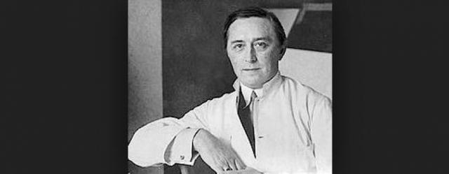 Позже начались гормональные опыты над гомосексуалистами. Они велись по указу СС привлеченным к исследованиям датским доктором Карлом Вернетом.