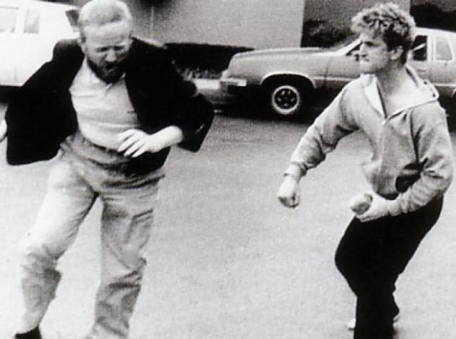 28 декабря 1989 года Пенн связал руки певицы шнуром от электрической лампы, после чего девять часов всячески издевался: рвал на ней волосы, грозясь оставить ее совершенно лысой...
