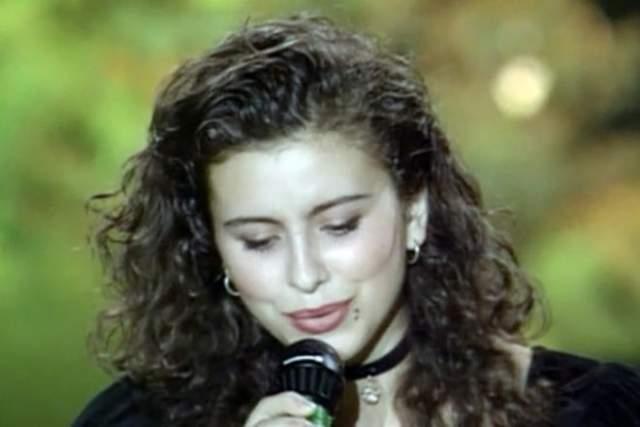 """Известность же ей принесла российская телевизионная программа """"Утренняя звезда"""" в 1995 году, после которой все узнали о ней как о Ани Лорак."""
