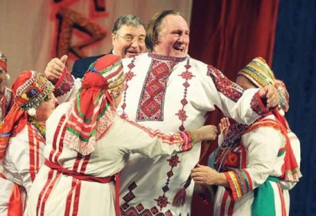 Самой популярной иностранной звездой, снимающейся в российской рекламе, является Жерар Депардье.