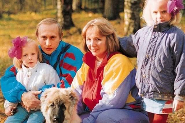 Владимир Путин. Единственное, что точно известно о дочках российского президента - это факт, что они существуют и их две. Зовут их Мария и Катерина.