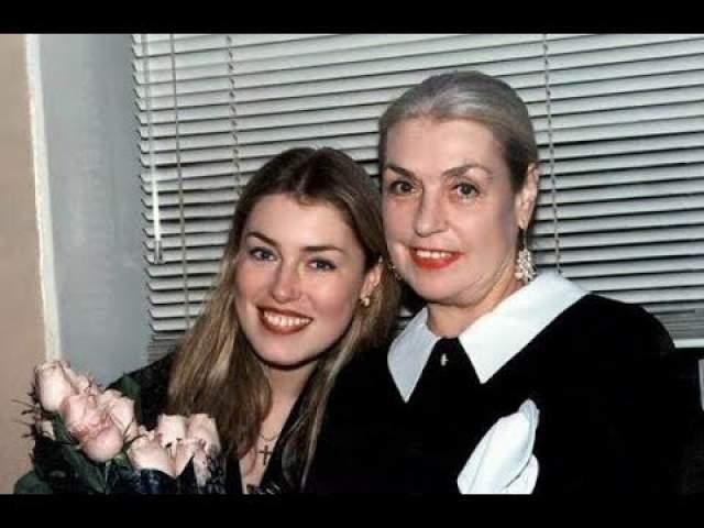 Мария (51) и Ольга (49) Шукшины. Женщины состоят в непримиримой вражде уже долгое время. И виной всему деньги.