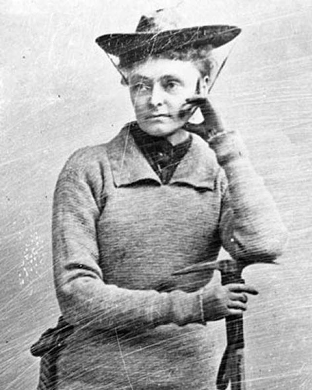 1909 - 2 сентября Энни Смит Пек , в возрасте 57 лет, первой покоряет самую высокую точку Перу - гору Уаскаран, 6768 м. Свое последнее восхождение она совершит в возрасте 82 лет на гору Мэдисон, Нью-Гэмпшир.