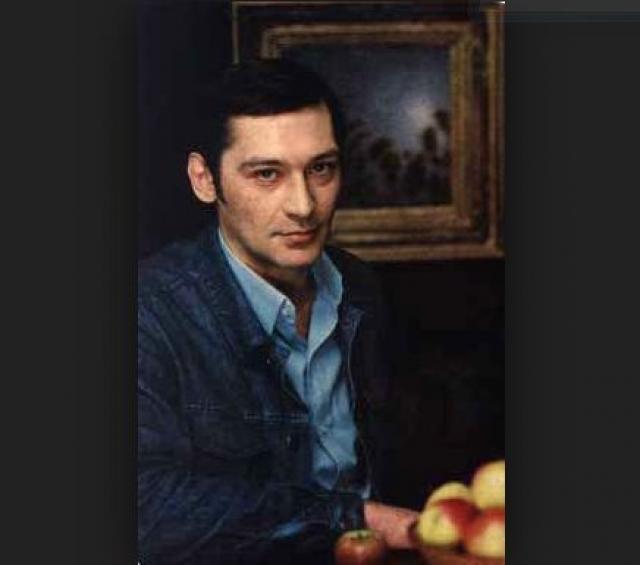 Погубило Владимира Тихонова увлечение алкоголем и наркотиками. Из-за пагубных привычек он скончался в возрасте 40 лет от сердечной недостаточности.