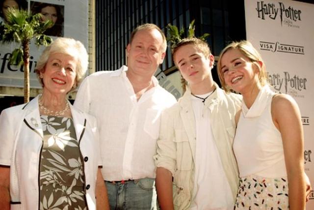 Родители Эммы Уотсон. Звезда Гарри Поттера родилась в Париже в семье Жаклин Льюсби и Криса Уотсона, английских адвокатов.
