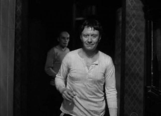 """Однако факт остается фактом, что 80-е годы в жизни актера были самыми тяжелыми. Он активно работал, гастролировал, несмотря на недуг. Среди успешных работ – в картинах """"Будьте моим мужем"""", """"Мой друг Иван Лапшин"""", """"Сказка странствий"""" и """"Человек с бульвара Капуцинов""""."""