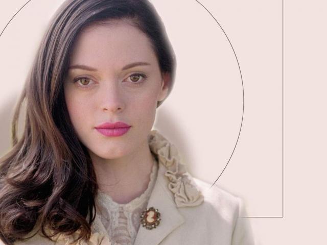 """Роуз МакГоуэн. Звезда """"Зачарованных"""" также оказалась в числе тех, кто кто был недоволен собственной внешностью."""