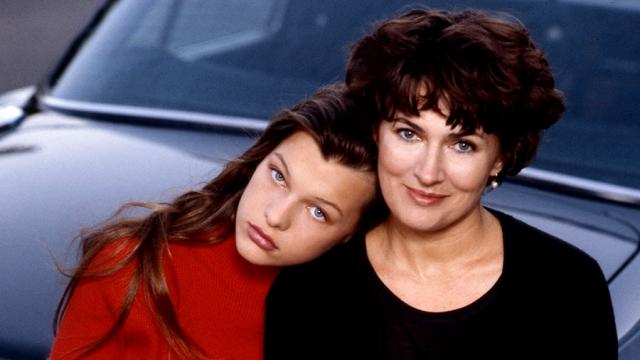 Галина все-таки нашла способ уехать к супругу в Англию, откуда семья перебралась в США. Там супруги расстались, но их дочь Милла Йовович стала известной моделью и голливудской актрисой.