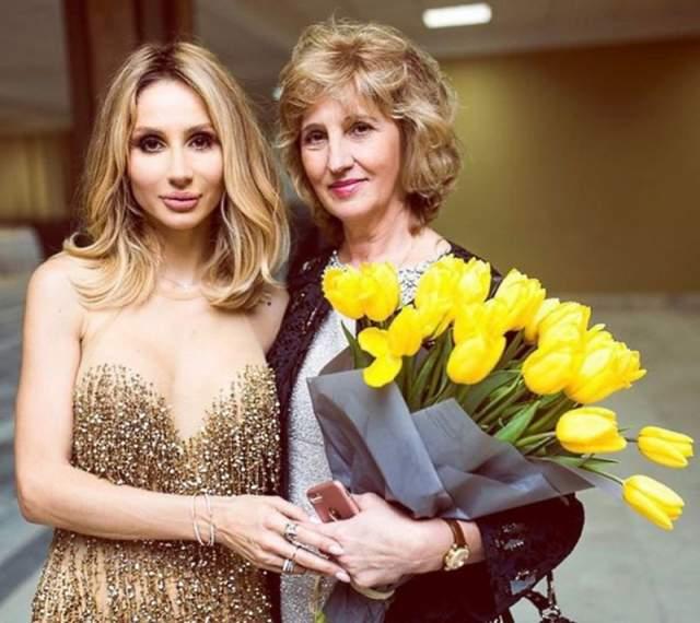 Занимаясь активно работой, 61-летняя Наталья Васильевна умудряется сохранять молодость.