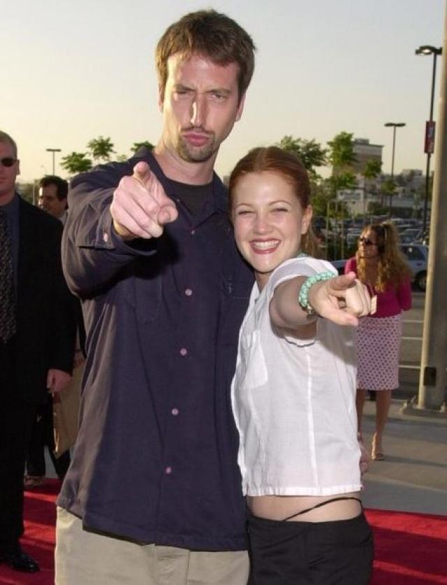 В 2001 году звезда снова решила сыграть свадьбу - с канадским комедийным актером Томом Грином , с которым встречалась до этого пару лет. Однако уже в 2002 Дрю начала бракоразводный процесс.