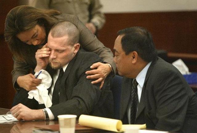 Его приговорили к пожизненному заключению, однако мотивы убийства так и остались неизвестны.