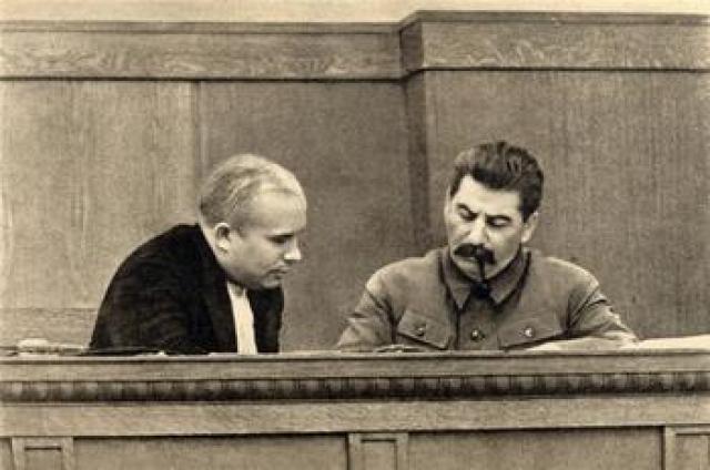 Занимая должность первого секретаря Московского горкома и обкома ВКП(б), Хрущев в так называемую Тройку НКВД, которая в день выносила расстрельные приговоры сотням людей.