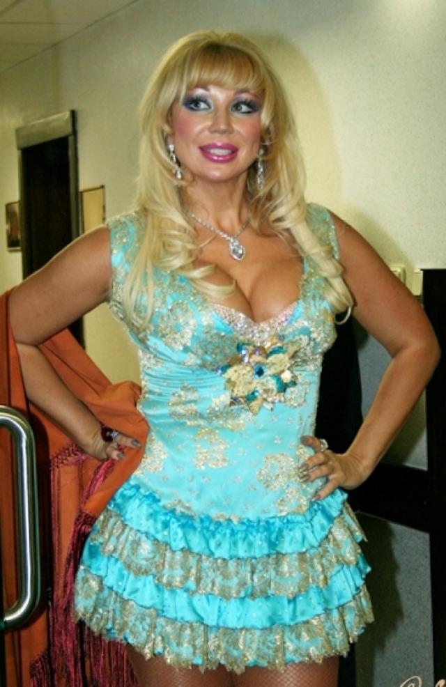Маша Распутина. 52-летняя певица не меняла образ с начала 90-х.