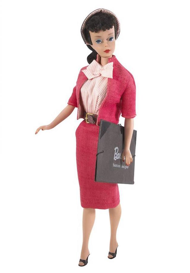 А в 1960 году Барби была еще и брюнеткой.