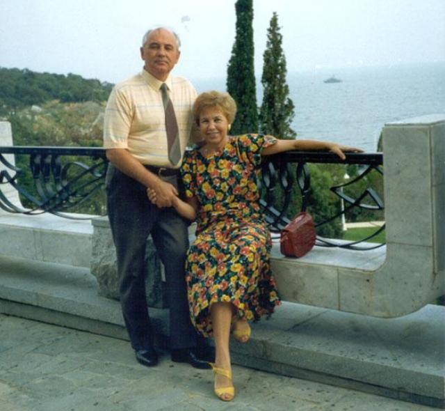 Его излюбленным местом отдыха была госдача № 11, прекрасная крымская бухта в Форосе.