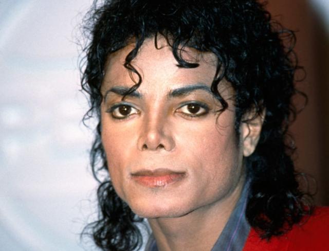 Майкл Джексон. Король поп-музыки умер 25 июня 2009 года от передозировки пропофола, который вколол ему его личный врач.