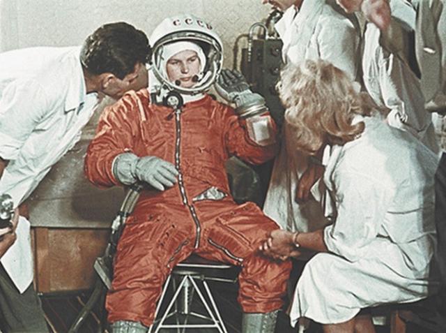 До сих пор Терешкова остается первой и единственной женщиной, совершившей полет на орбиту Земли в полном одиночестве.