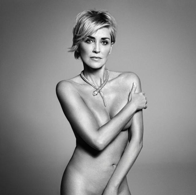 """Шэрон Стоун. Голливудская актриса, ставшая знаменитой после съемок в эротическом триллере """"Основной инстинкт"""", до сих пор без колебаний соглашается раздеваться перед камерой."""