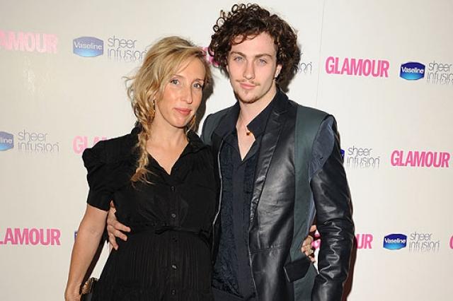 Их роман начался на съемочной площадке в 2009 году и перерос в сильные и крепкие отношения - у пары уже двое детей.