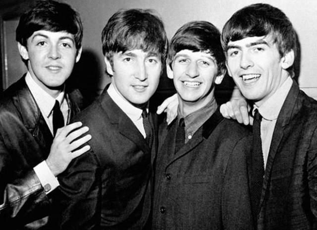 Пол Маккартни, 76 лет. Легендарная группа The Beatles известна на весь мир для нескольких поколений. Все его участники стали звездами, но самым успешным сольным музыкантом считается сэр Пол Маккартни.
