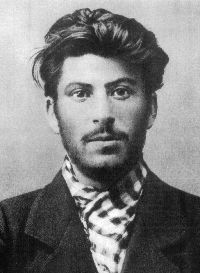 Их предшественник, Иосиф Сталин , еще будучи учеником православной Тифлисской духовной семинарии, вступил в контакты с подпольными группами революционных марксистов.