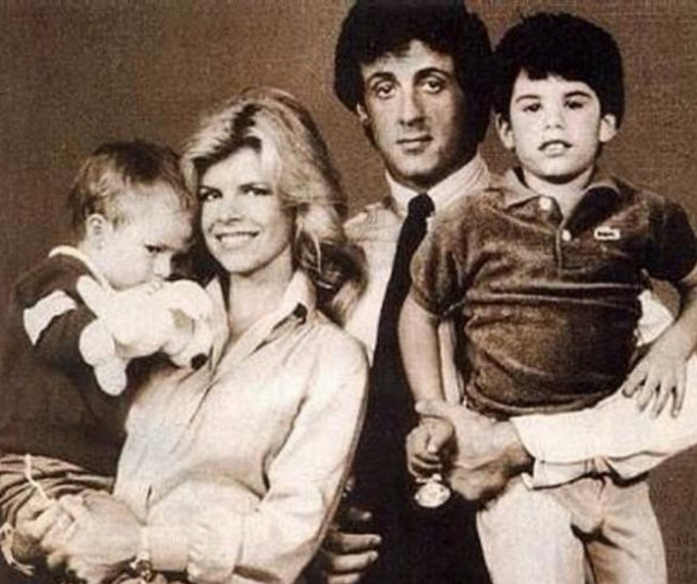 Сильвестр Сталлоне. Младший сын актера, Серджио, страдает аутизмом. Ребенок с трудом адаптировался к окружающему миру и никак не мог наладить контакт даже с близкими.