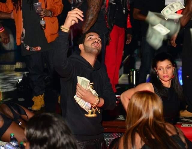 Рэпер Дрейк осыпает стриптизершу $50 000.