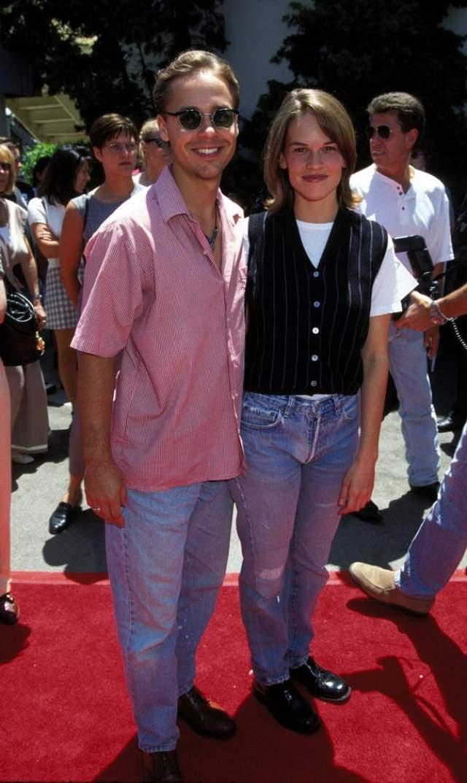 Хиллари Суонк в 1996 году.