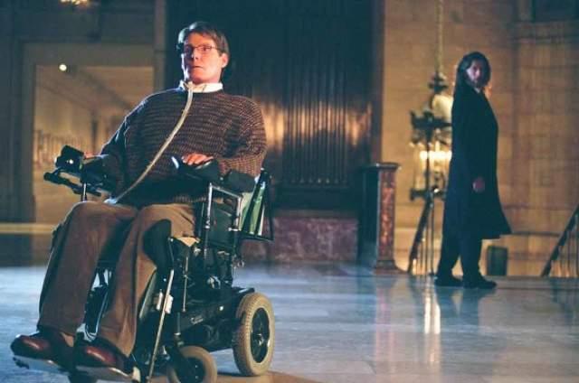 """К примеру, в сериале """"Тайны Смолвиля"""" про молодого супермена Кристофер сыграл парализованного профессора Вирджела Свонна."""